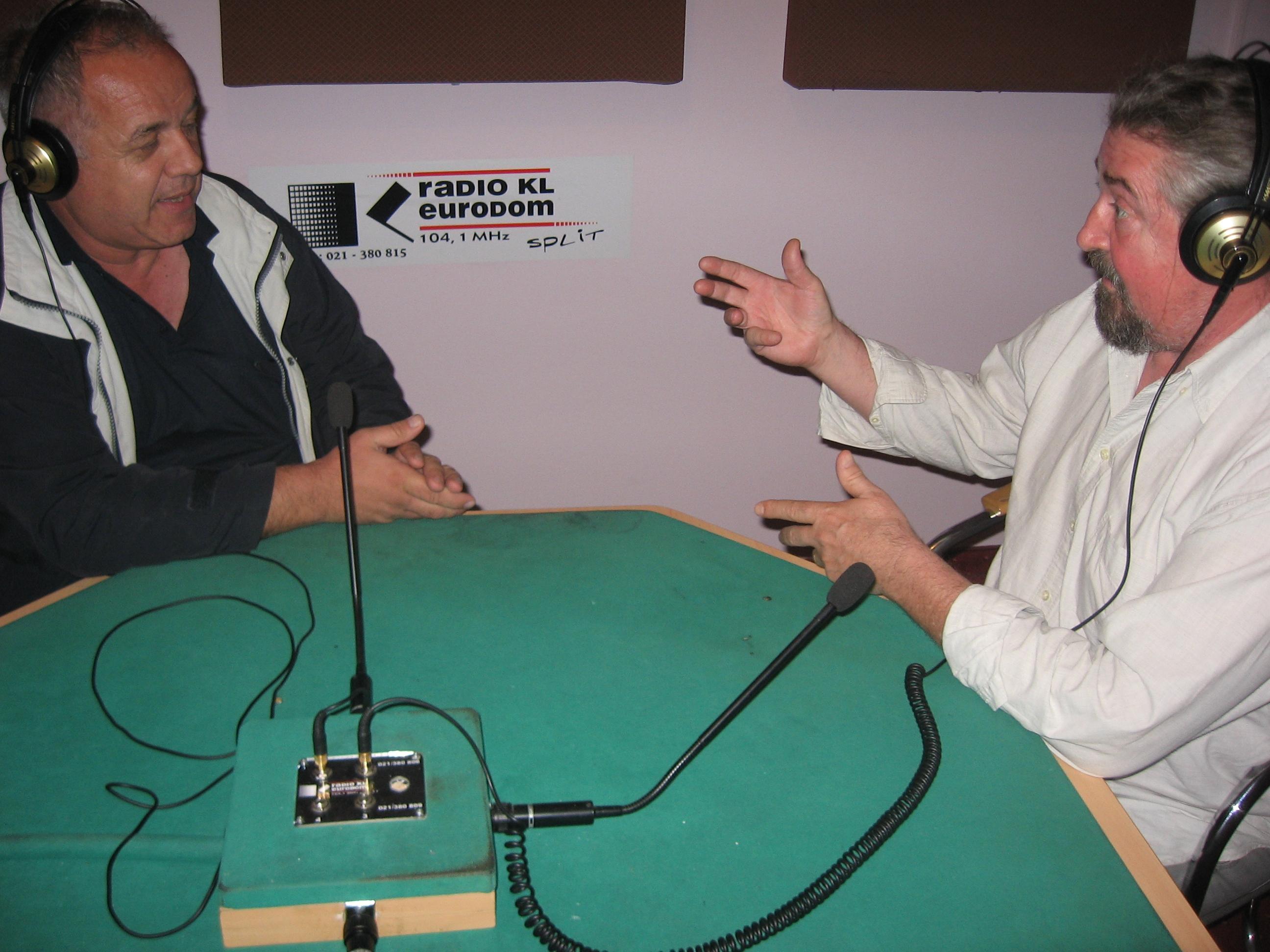 Makedonski jezik na radiju u Hrvatskoj