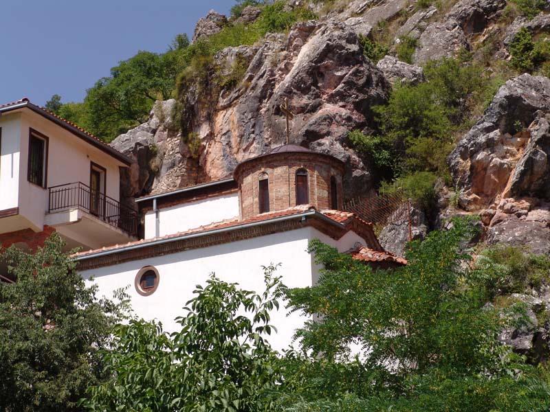 Pećinske crkve u Makedoniji